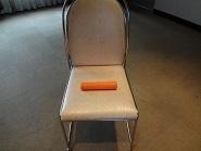 椅子の上.JPG